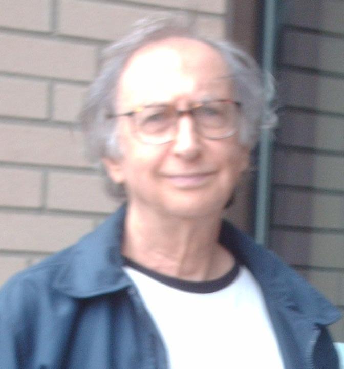 Lanny Beckman devant l'entrée du centre d'accueil de jour de la MPA